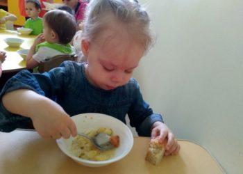 Свыше тысячи павлодарских малышей отныне питаются в детских садах бесплатно 3