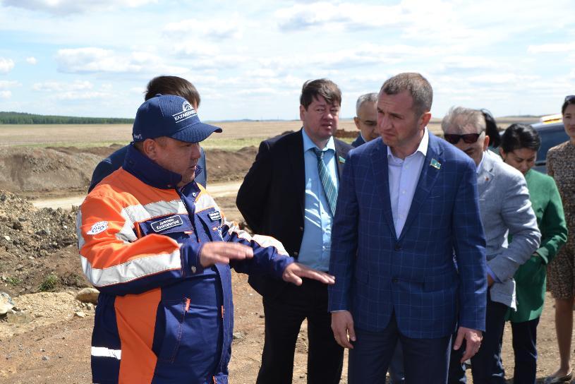 Депутаты-нуротановцы ознакомились с реконструкцией автодороги Щучинск – Зеренда