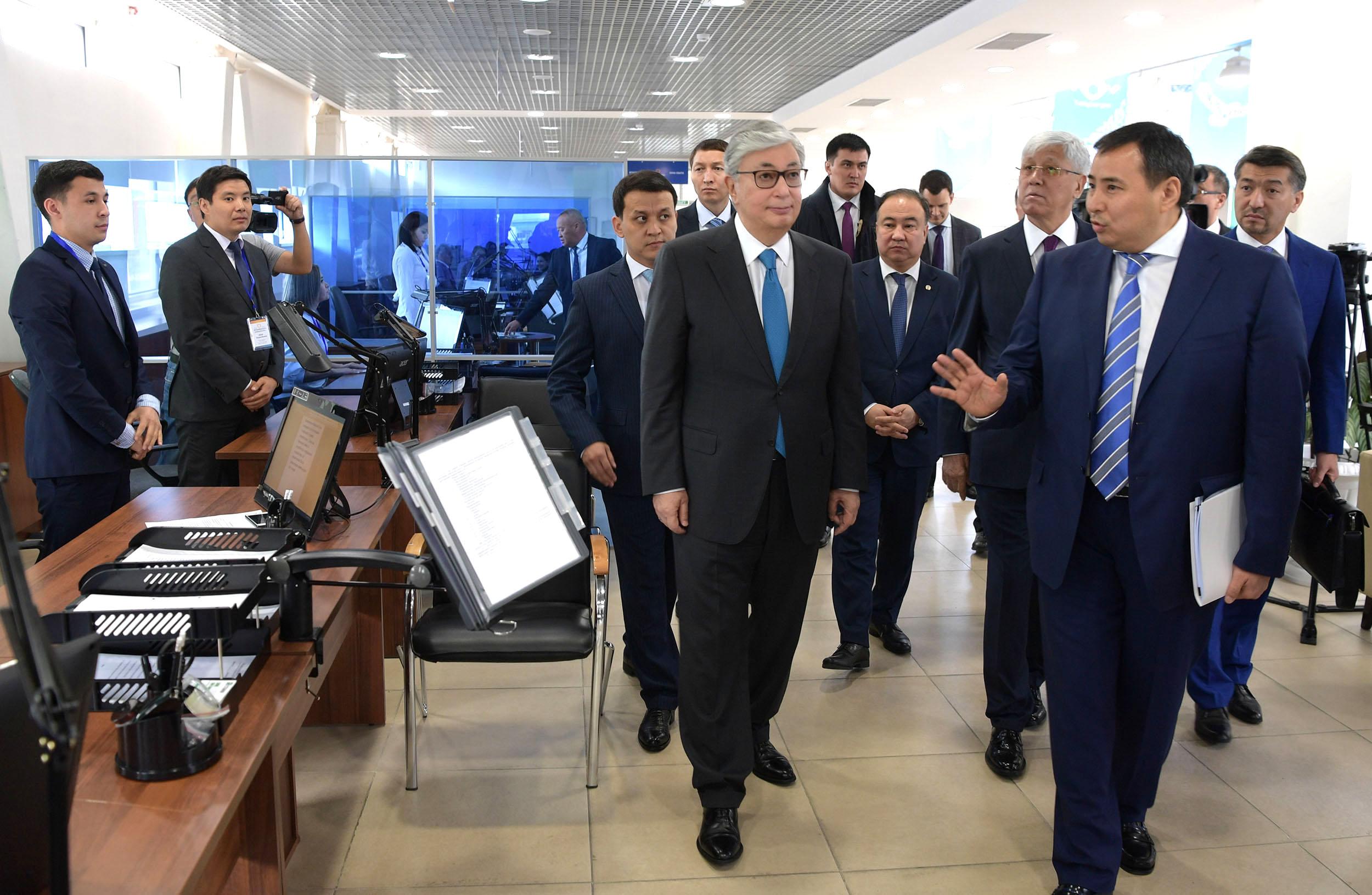 Касым-Жомарт Токаев посетил Центр обслуживания предпринимателей Алматинской области