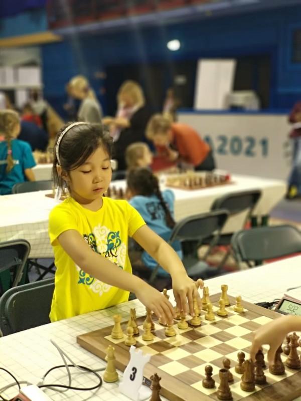 Алматинская школьница стала чемпионкой мира по шахматам