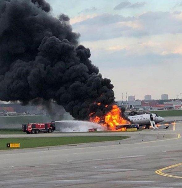 В Шереметьево загорелся пассажирский самолет — погиб 41 человек