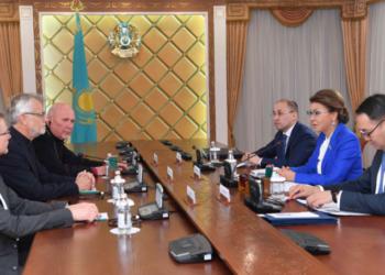 Дарига Назарбаева провела встречу с Генеральным секретарем Всемирной Лютеранской Федерации 4