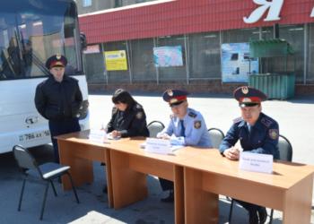 В Семее сотрудники правоохранительных органов провели двухдневную акцию «Приемная на дороге» 1