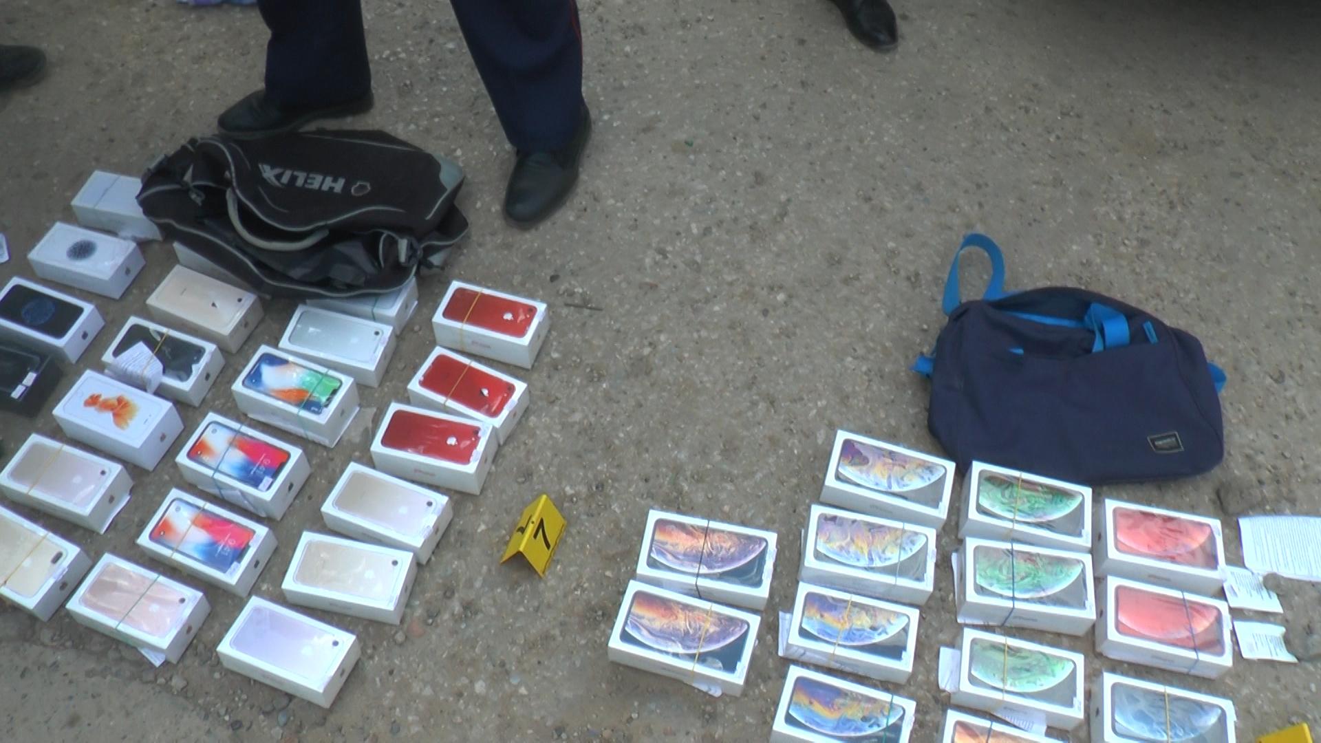 Грабители унесли из магазина в Актобе 43 айфона