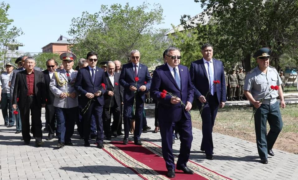 В Актобе почтили память погибших в 2016 году гвардейцев
