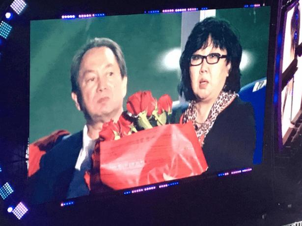 Димаш Кудайберген чествовал на своем концерте родителей Дениса Тена