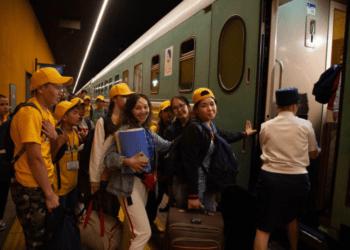 200 юных победителей творческого конкурса путешествуют по Казахстану 3