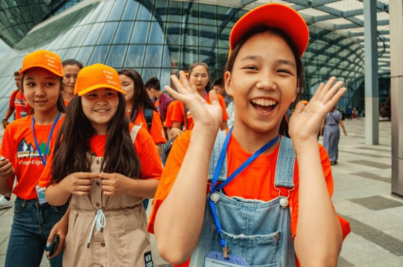 200 юных победителей творческого конкурса путешествуют по Казахстану