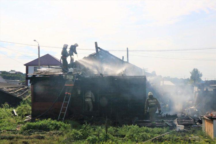 В Петропавловске 61-летний мужчина погиб на пожаре, пытаясь потушить огонь 1