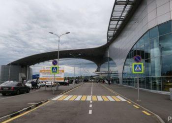 В аэропортах Москвы задержано и отменено более 100 рейсов 1