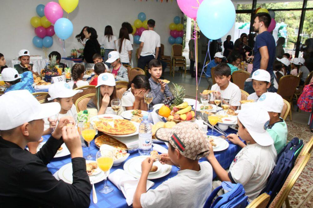 Акция «Дорога в школу» прошла в алматинском Доме дружбы