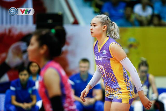 Волейболистка из Казахстана покорила своей красотой Вьетнам