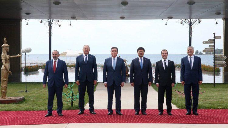 Аскар Мамин принял участие в заседании Евразийского межправсовета в Кыргызстане 1
