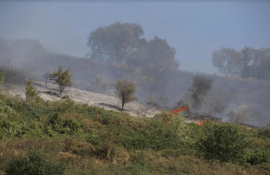В Алматы потушили пожар на Коктобе