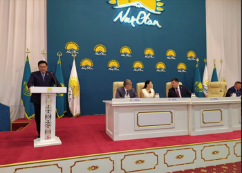 Стихи о Южном Казахстане прочитал мажилисмен на заседании партактива в Шымкенте 2