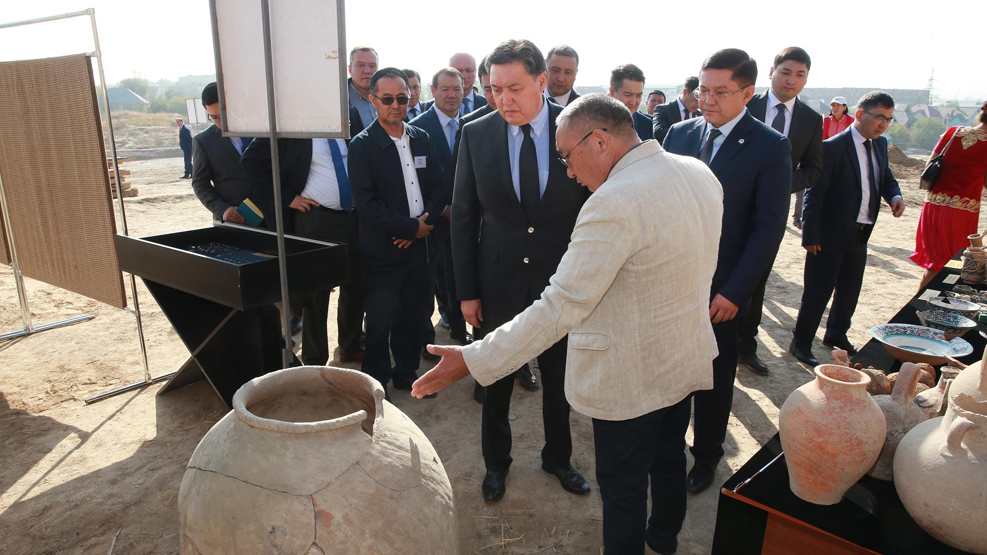 Аскар Мамин посетил Шымкент и Туркестан