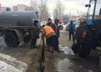 Аварию на водопроводе устраняют в центре Нур-Султана