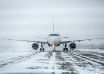 Работа аэропорта Нурсултан Назарбаев парализована из-за непогоды
