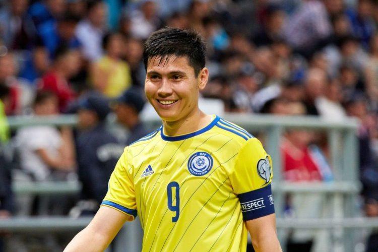Капитан сборной Казахстана по футболу перешел в арабский клуб 1