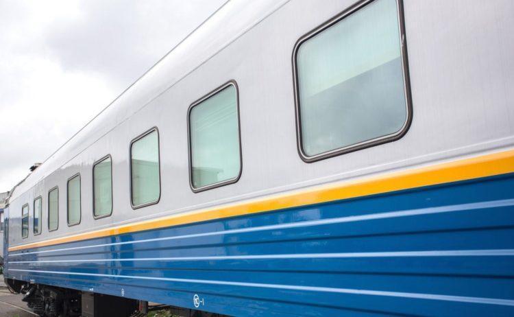 Четыре вагона поезда «Нур-Султан-Жезказган» сошли с рельсов из-за бурана