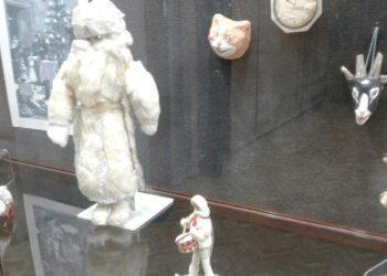 Редкие экспонаты: Деда Мороза 1940 года показали в Семее