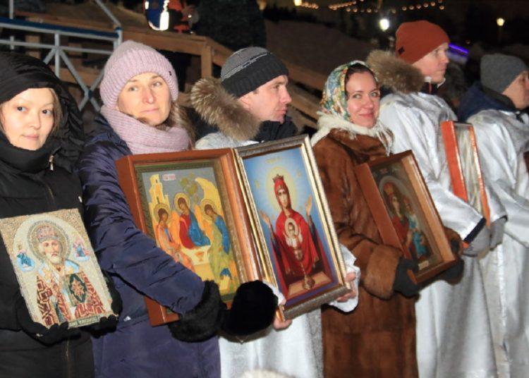 Участниками Крестного хода в Нур-Султане стали более двух тысяч человек