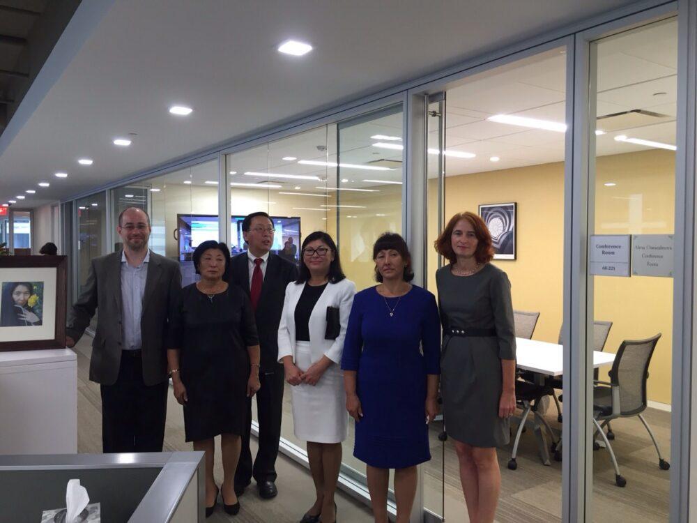 Всемирный банк в Вашингтоне увековечил имя казахстанки Алмы Оразалиновой 1