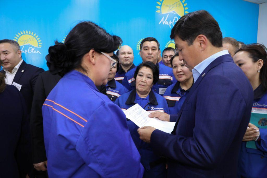 Дороги, отопление, трудоустройство. Nur Otan решает вопросы людей в Атырауской области 1