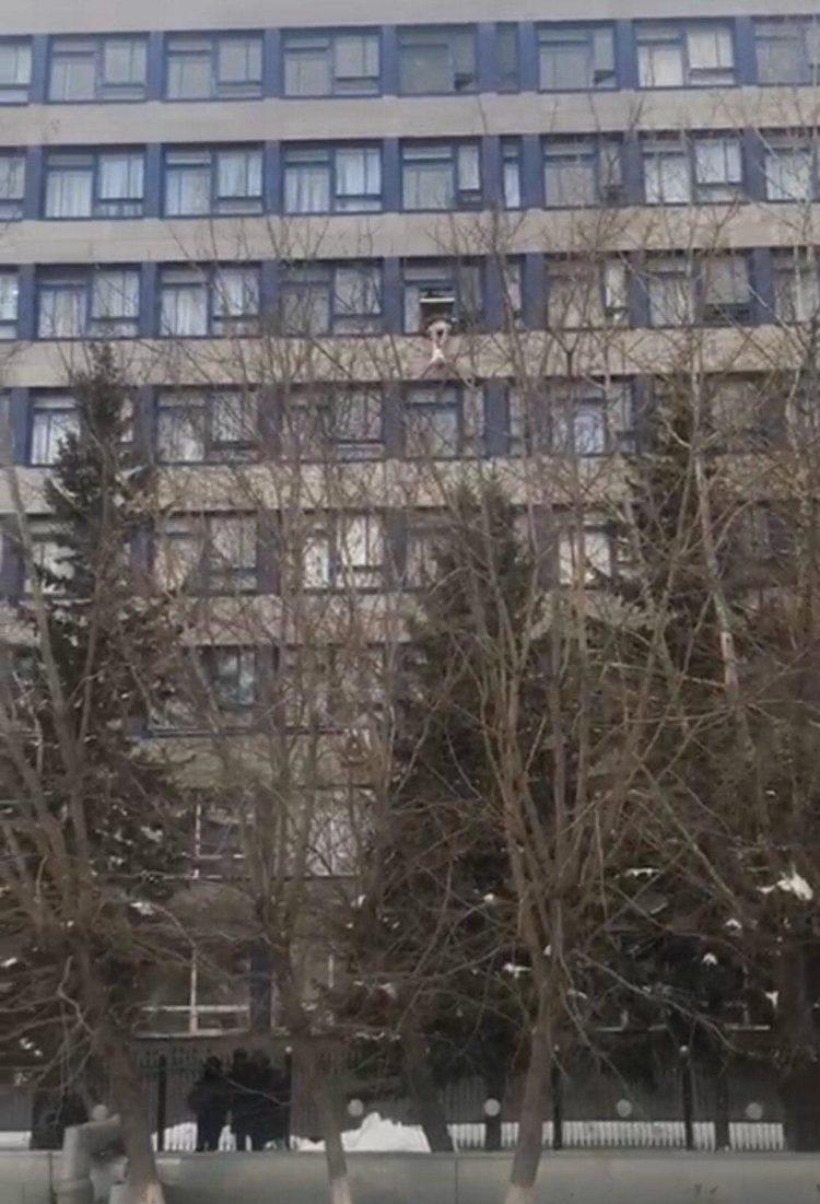 Студент выпрыгнул из окна в Кокшетау