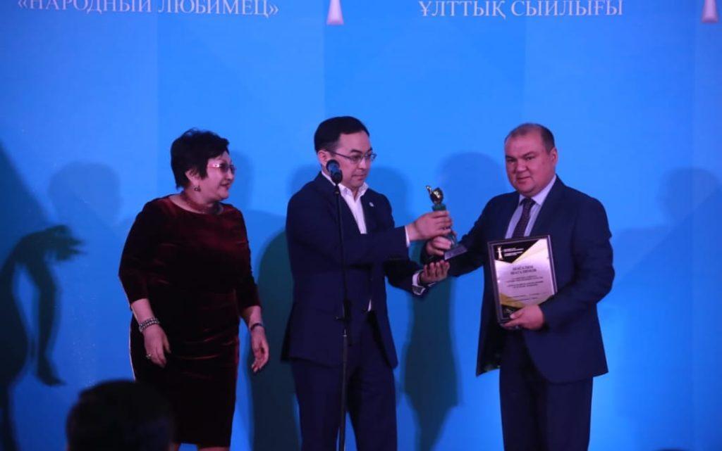 """Премию """"Признание года"""" за защиту прав детей получила зампред общественного совета Закиева 1"""