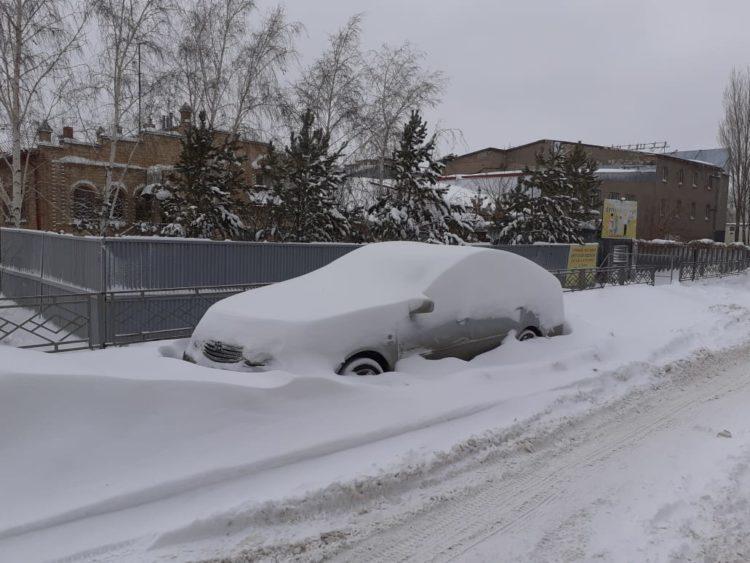 Метель бушает в областях Казахстана
