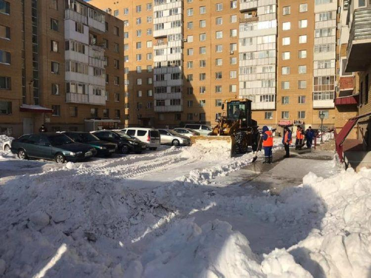 Акимат Нур-Султана расторг договоры с недобросовестными подрядчиками по уборке снега