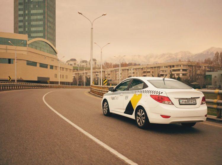 Сервис Яндекс.Такси запустил в Алматы доставку посылок для корпоративных клиентов 1