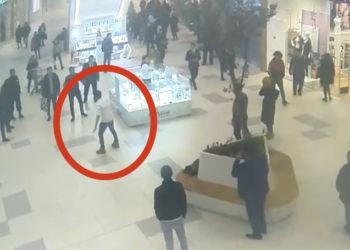 Иностранец ранил себя ножом на глазах посетителей торгового центра в Нур-Султане