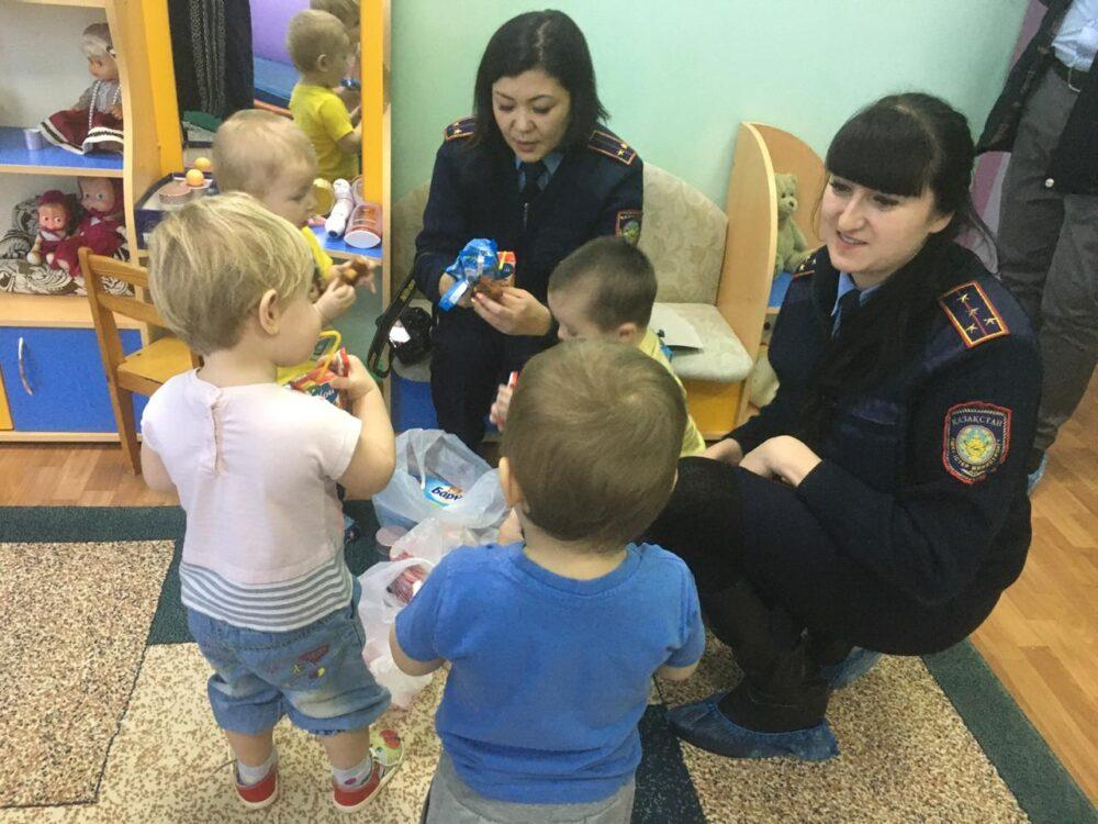 Женщины из колонии в Петропавловске взяли под опеку детей-сирот 2