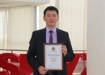 Кызылординский учитель разработал бесплатный математический сайт на казахском языке 1