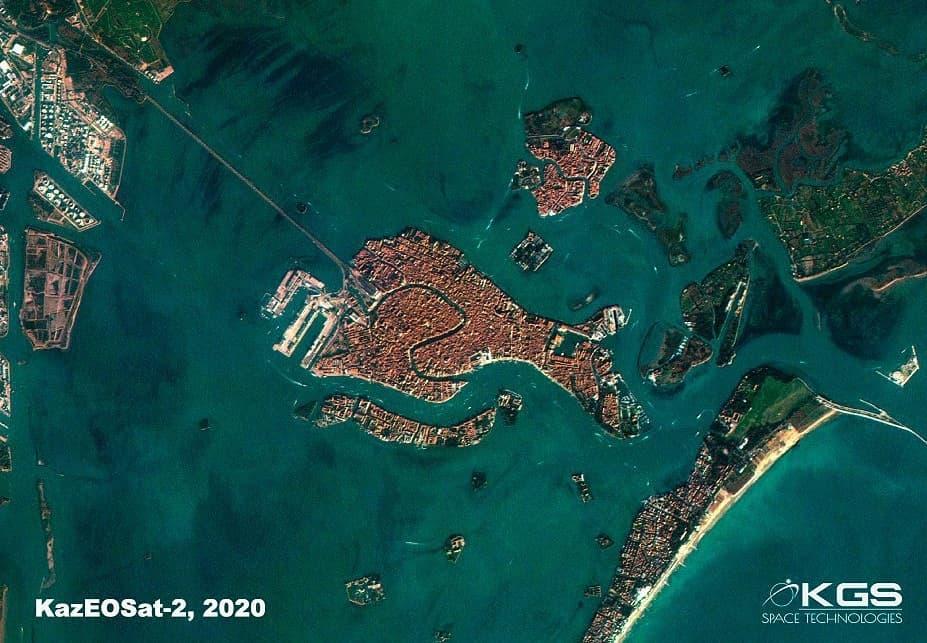Казахстанские спутники ДЗЗ запечатлели обезвоженную Венецию 2