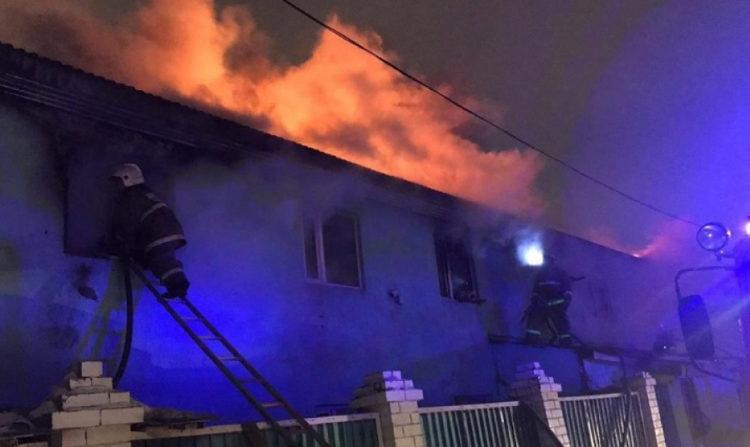 Двухэтажное общежитие горело в столице