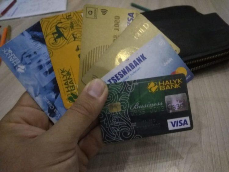 «Замороженные» зарплаты и загадочная статистика. Зачем Казахстану менять методы расчета доходов граждан