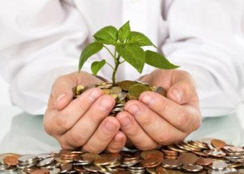 В какой валюте хранить сбережения казахстанцам, посоветовали эксперты