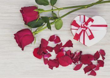 Эксперты назвали самые популярные подарки к 8 марта