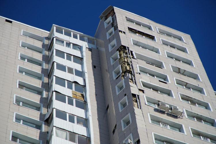 Опасные фасады многоэтажек заменят в Нур-Султане