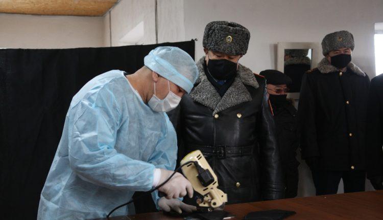 Глава МВД поручил премировать осужденных, которые шьют защитные маски 2