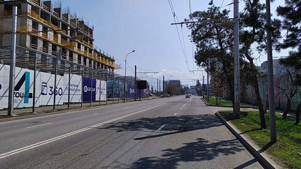 Что происходит прямо сейчас на улицах закрытого на карантин Алматы 1