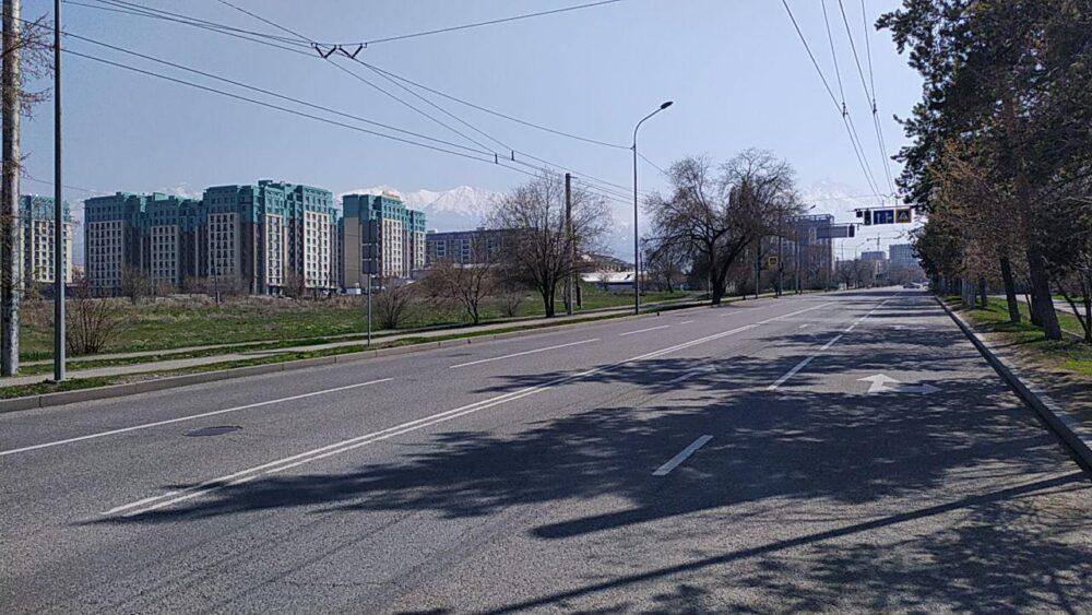 Что происходит прямо сейчас на улицах закрытого на карантин Алматы 2