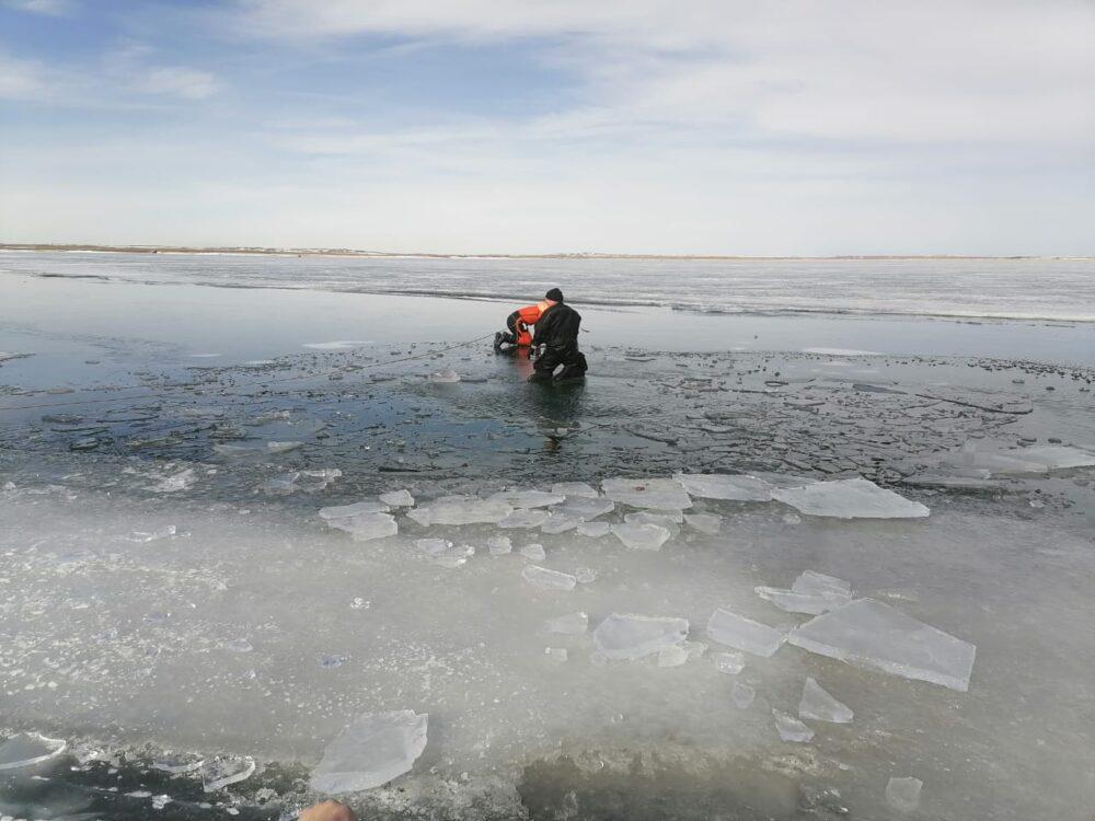 Двое мужчин погибли подо льдом в Карагандинской области 1