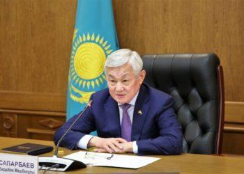 Сапарбаев обрушился с критикой на подчиненных