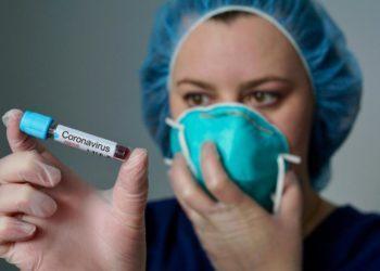 Разговоров о том, что коронавирус - это оружие, с каждым днем все больше