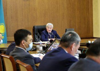 Сапарбаев раскритиковал поверхностный контроль на блокпостах в Жамбылской области
