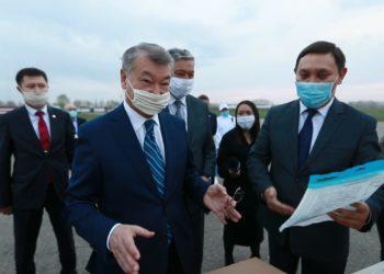 Спецборт из Китая доставил в Усть-Каменогорск 14 тонн медицинских изделий